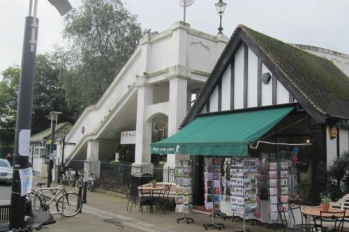 Kew Station